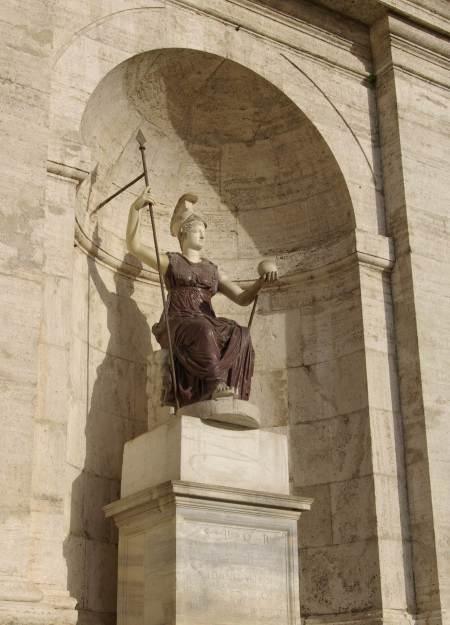 foto-statua-della-dea-roma-eta-domizianea-piazza-del-campidoglio