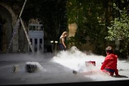 SUJET A VIF A - INCIDENCE 1327 - FESTIVAL D AVIGNON - 71e EDITION - Avec : Gaëlle BOURGES - Gwendoline ROBIN - Dans le cadre du 71ème Festival d'Avignon - Lieu : Cour de la Vierge du Lycée Saint Joseph - Ville : Avignon - Le 07 07 2017 - Photo : Christophe RAYNAUD DE LAGE