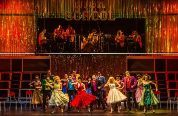 grease2017_fotoscena4_phfrancescoprandoni454883612.jpg